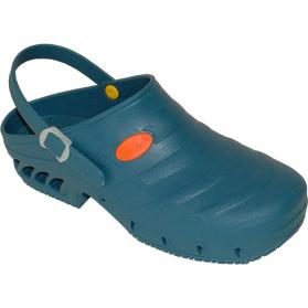 medical-clogs